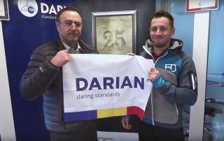 Steagul Darian e în drum spre vârful Cerro Torre din Patagonia.